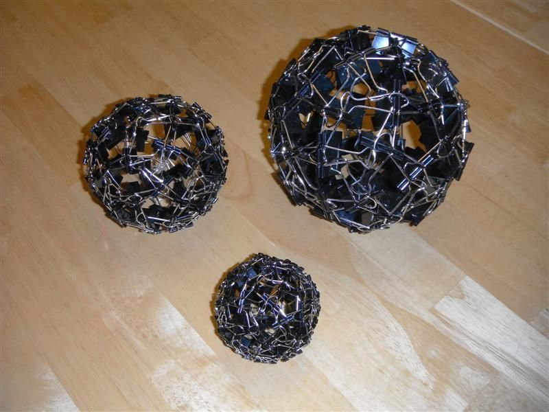 Мячик из канцелярских зажимов (клипов)