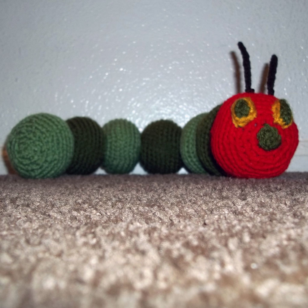 Как связать гусеницу