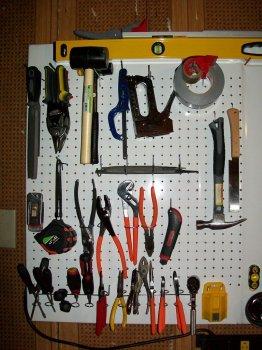 Доска-органайзер для хранения инструментов