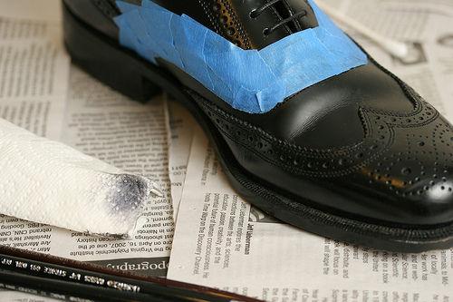 Как покрасить кожаную обувь