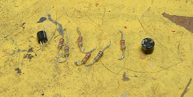 Жучки из радио деталей