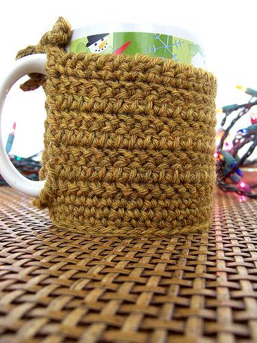 Вязаный чехол для кофейных кружек