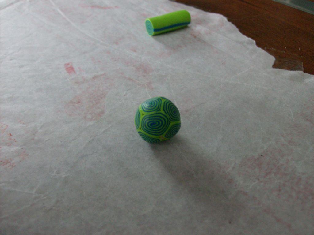 Шарики для бус из глины