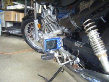 Установка видеокамеры на боковоую подножку мотоцикла