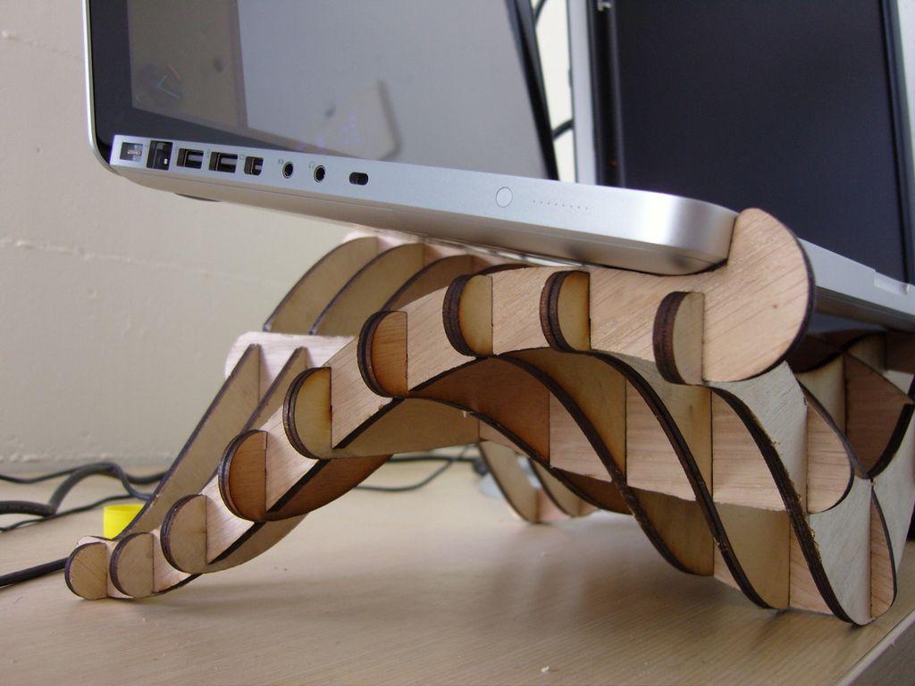 Дизайнерская подставка для лэптопа своими руками