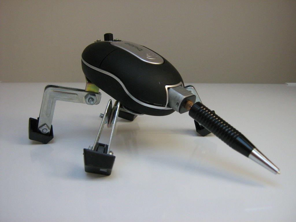 Робот богомол из  мышки своими руками