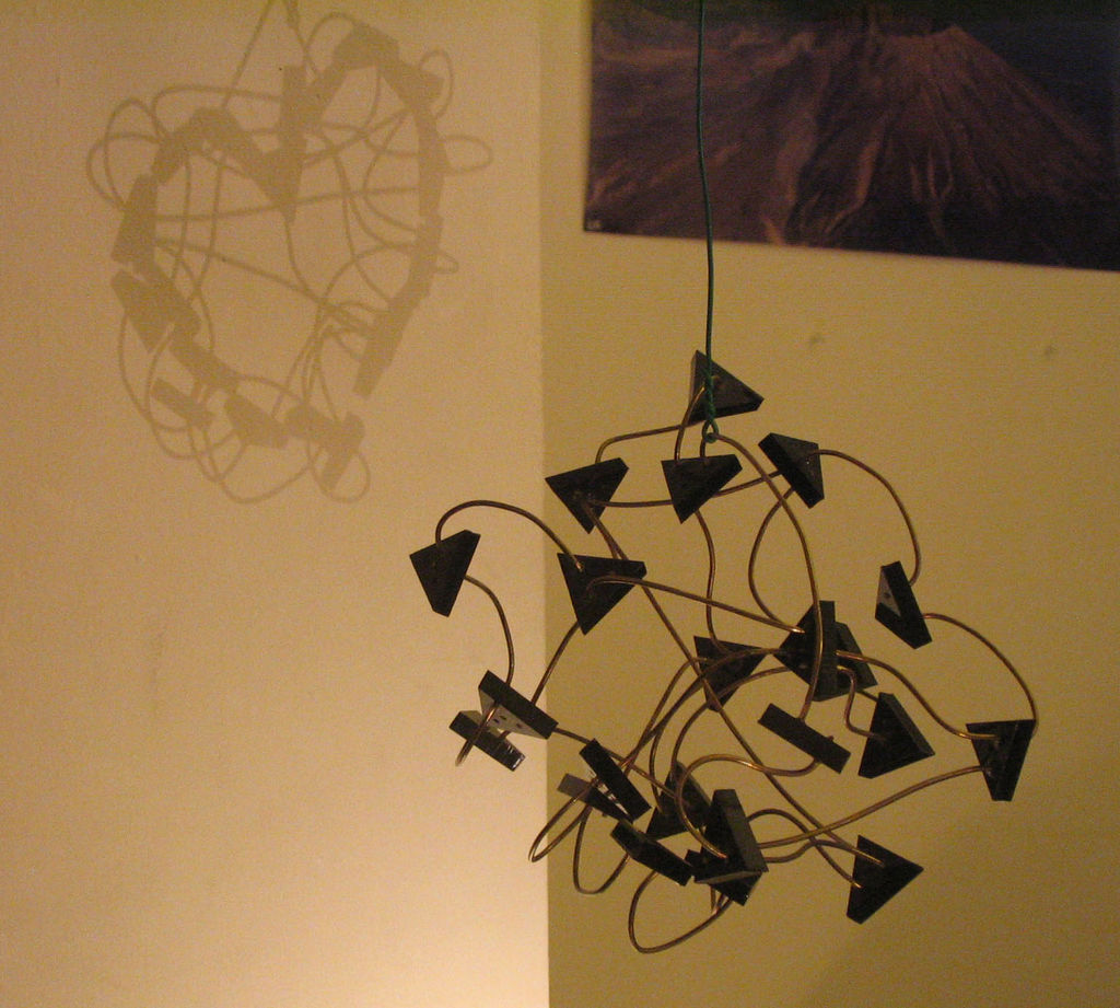 Подвесная теневая фигура