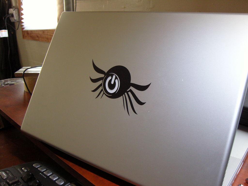 Переводной логотип для лэптопа