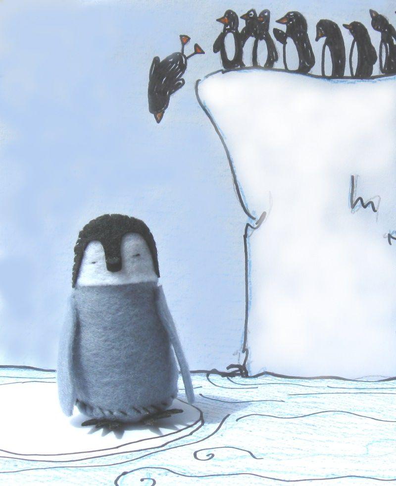 Вязаная игрушка пингвина