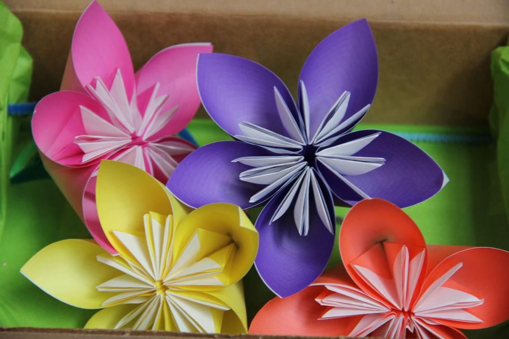 букет цветов из цветной бумаги своими руками анапа это