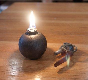 Масляная лампа в форме ручной гранаты