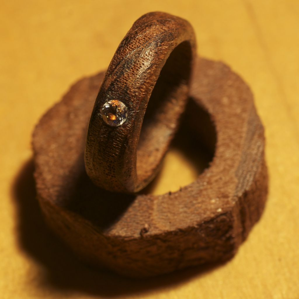 Обручальное кольцо из дерева своими руками