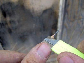 Как смазать замок обычным карандашом
