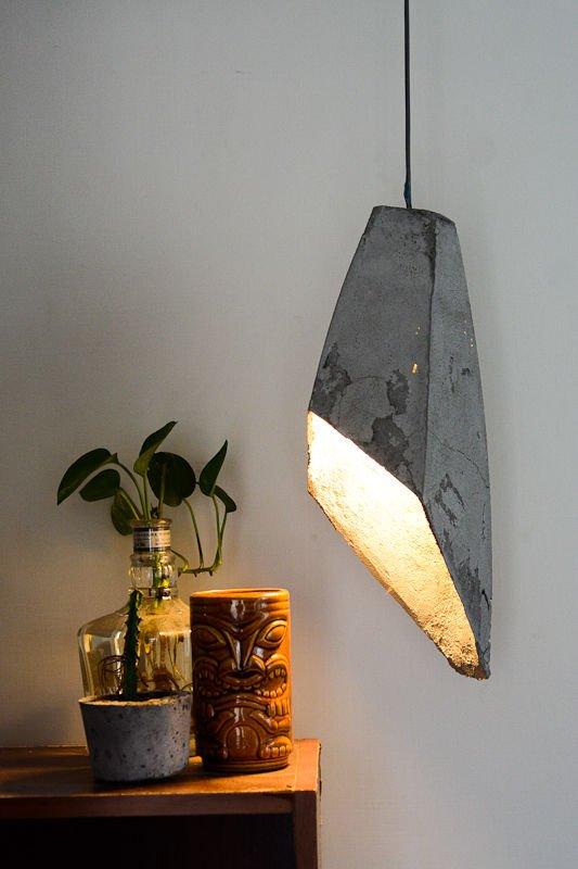 Бетонная подвесная лампа
