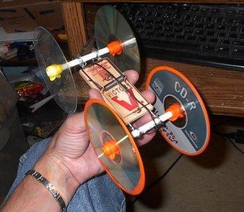 Как сделать машину из мышеловки