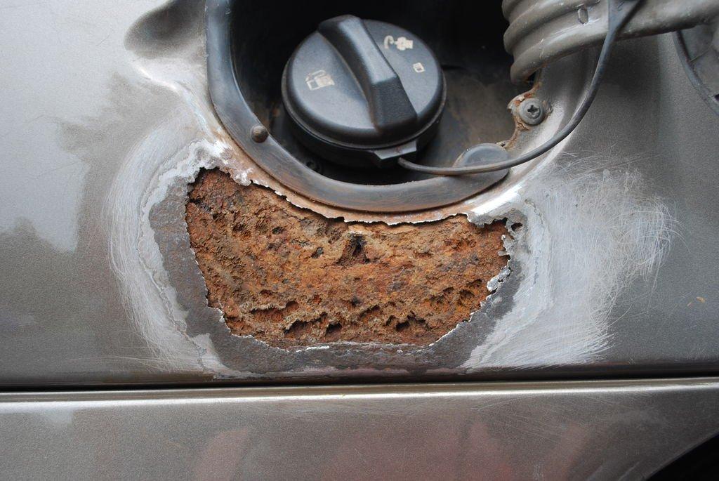 Как восстановить покрытие автомобиля после ржавчины