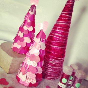 Розовая елка