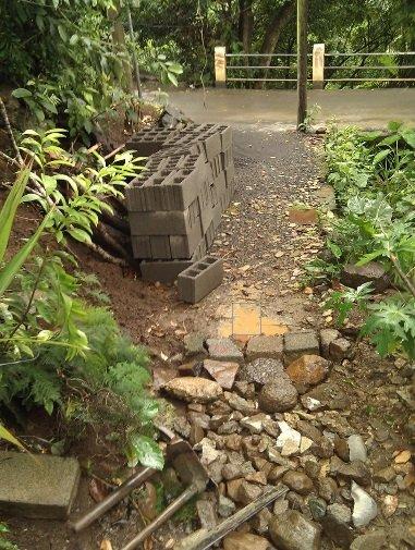 Садовые дорожки при помощи формы своими руками