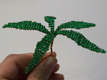 Пальма из бисера
