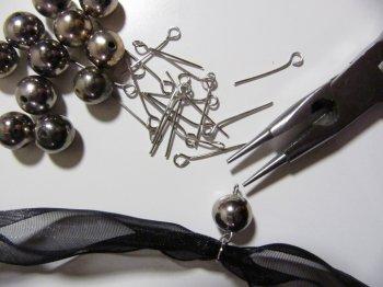 Ожерелье из лент своими руками