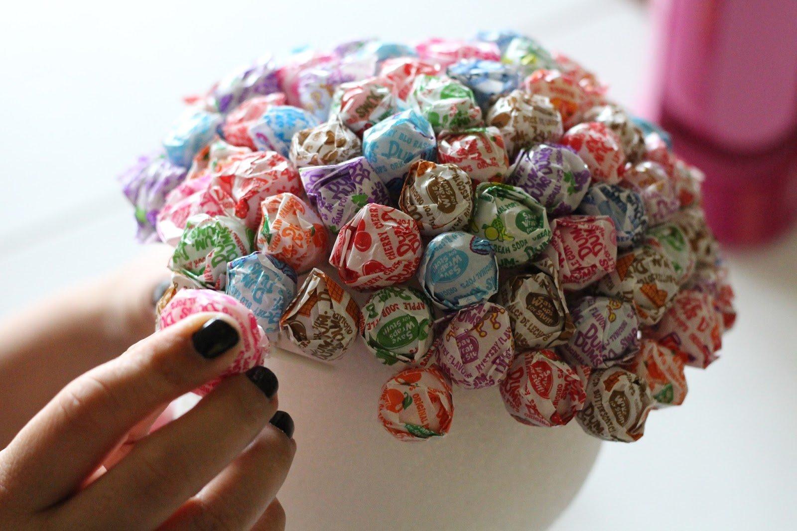 Топиарий из конфет своими руками