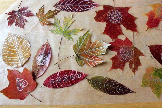 Яркие осенние листья своими руками
