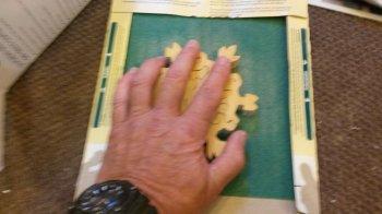 Деревянный пазл в виде снежинки своими руками