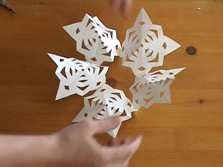 Объемные снежинки своими руками