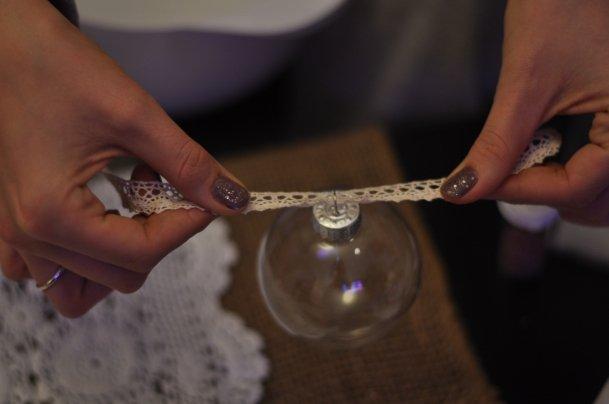 Декор новогодних шаров бисером своими руками