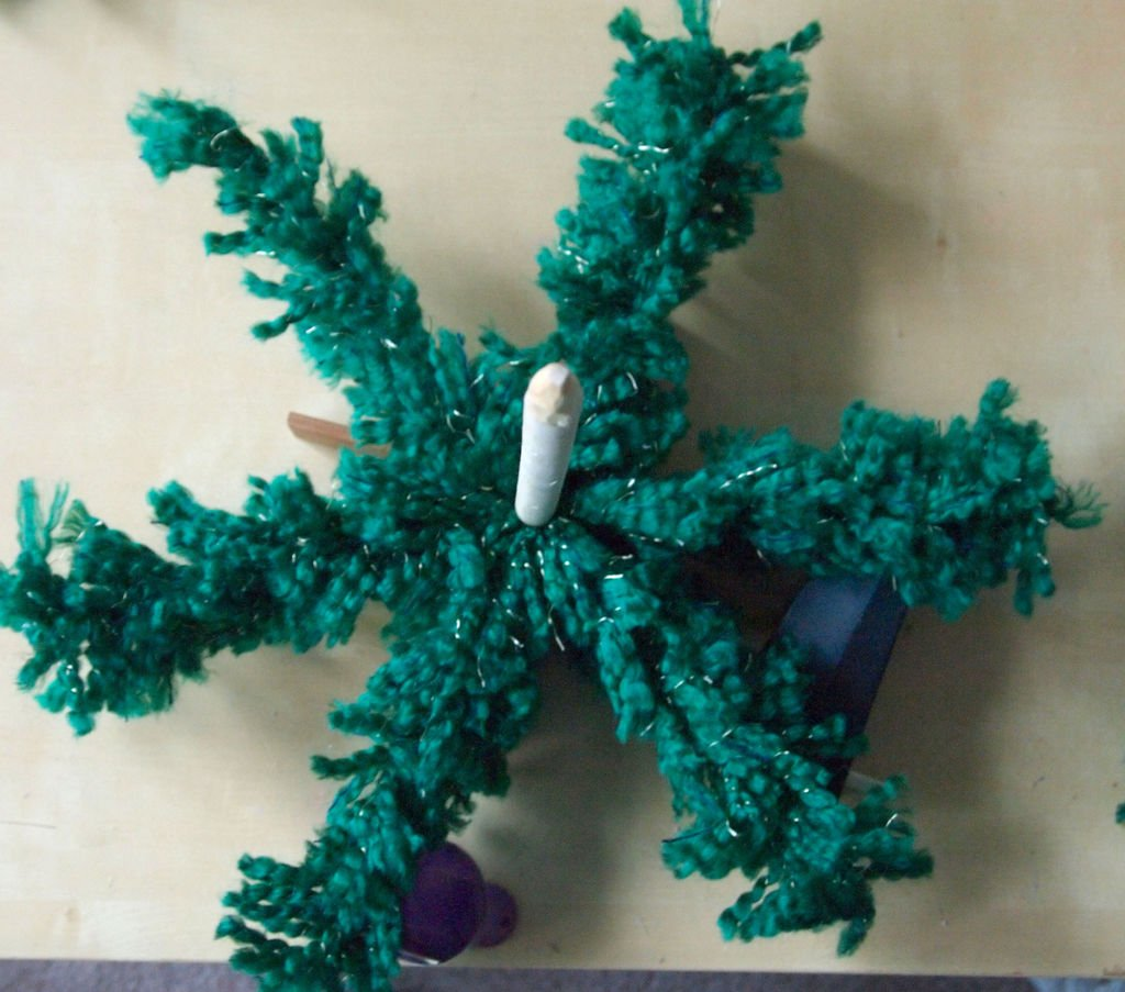 Новогодняя мини-елочка крючком