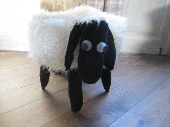 Новогодний чехол на стул в виде овечки своими руками