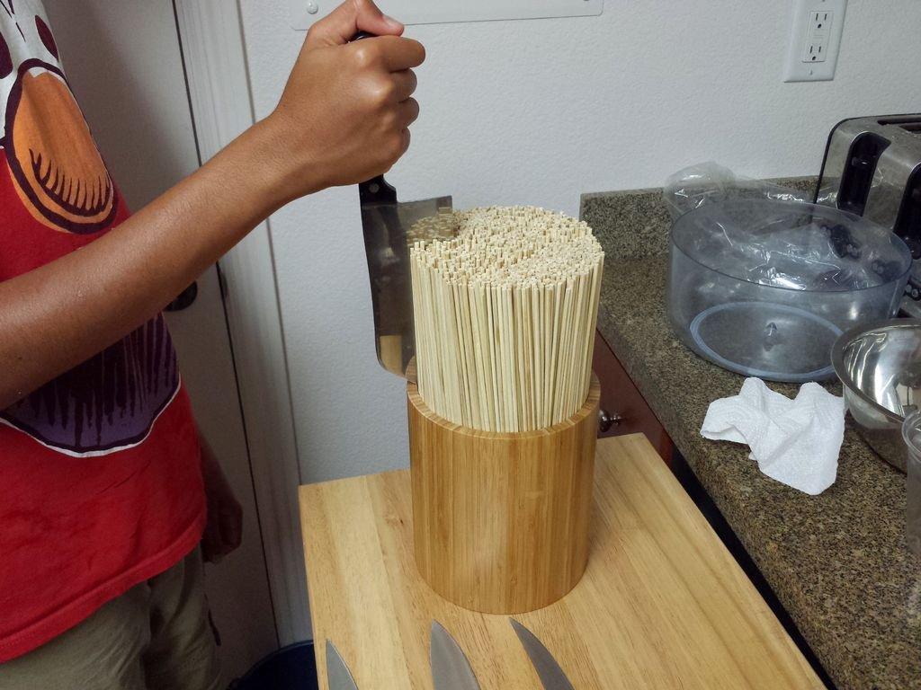 Подставка для ножей из бамбуковых палочек своими руками