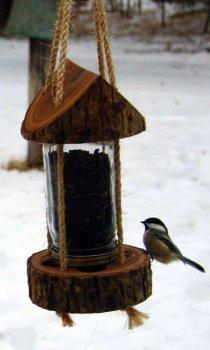 Красивая кормушка для птиц своими руками