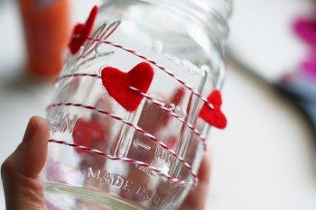 Декор вазы на День Святого Валентина своими руками