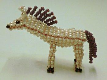Лошадь из бисера своими руками