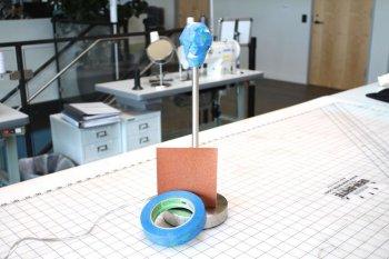 Настольная лампа из игрушечных фигурок своими руками