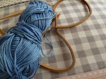 Плетеный замшевый браслет своими руками