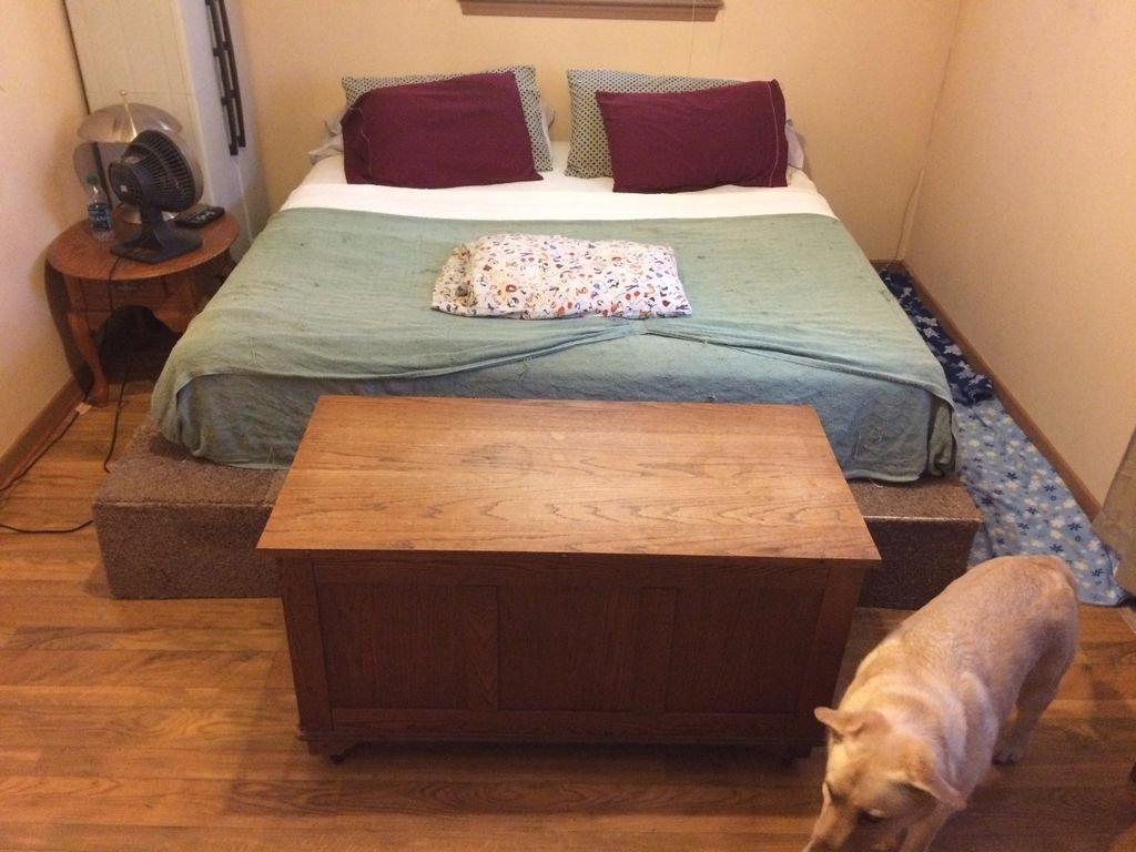 Большая кровать из поддонов своими руками