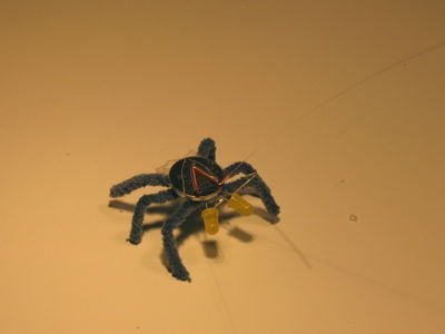 Игрушка светящийся паук своими руками