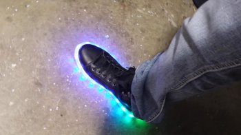 Кроссовки с LED-подсветкой своими руками