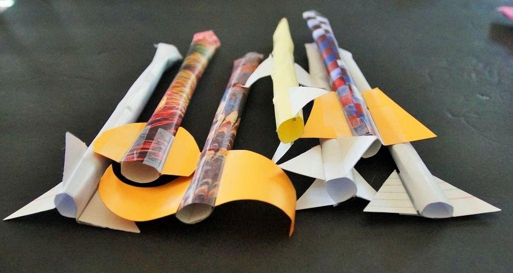 Бумажная ракета своими руками