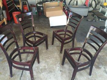 Скамейка из старых стульев своими руками