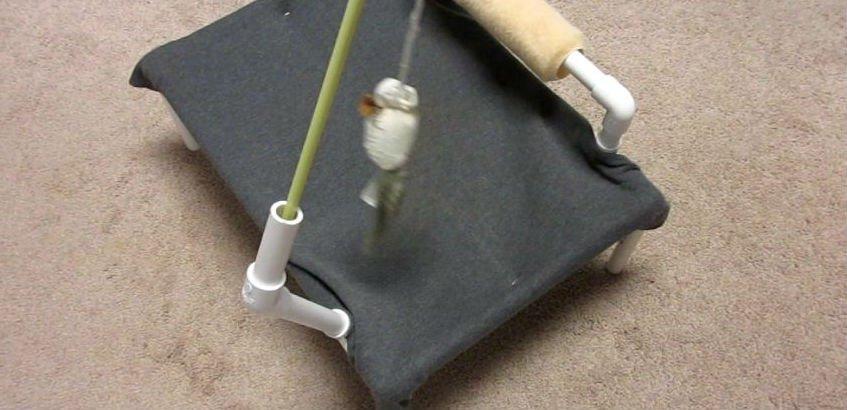 Гамак из ПВХ-труб для кота