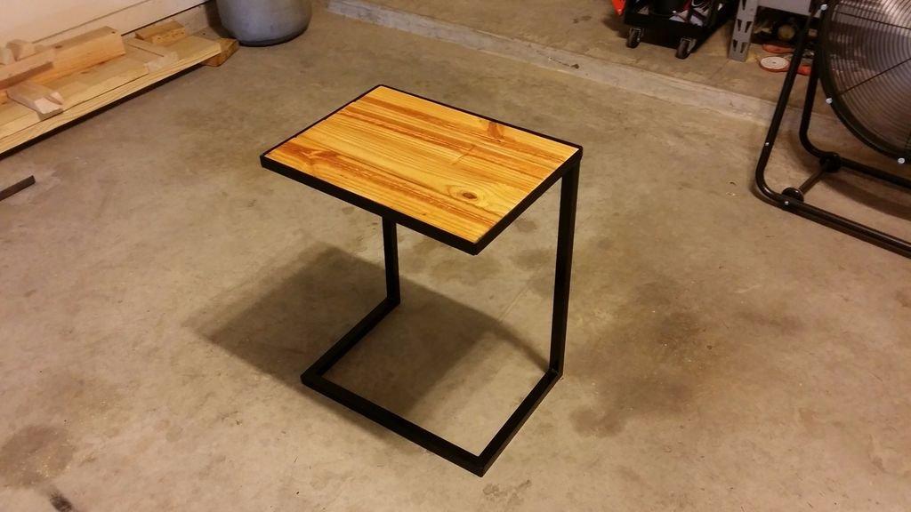 Приставной диванный столик своими руками