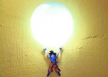 Настенный светильник с супергероем своими руками