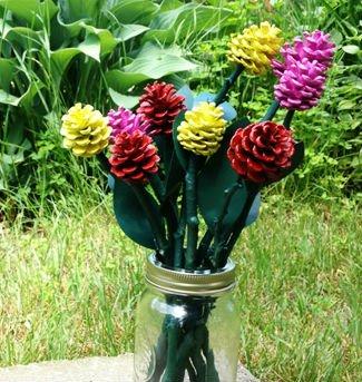 Цветы из шишек своими руками