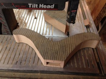 Изящный стул из дерева своими руками