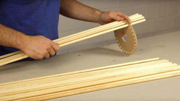 Лампа из деревянных палочек своими руками