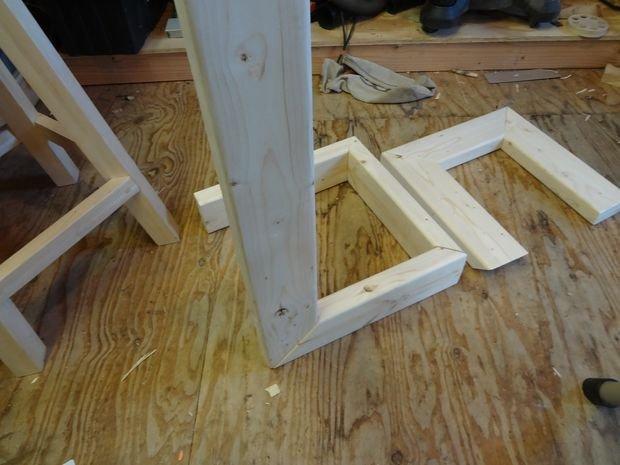 Приставной столик для дивана своими руками
