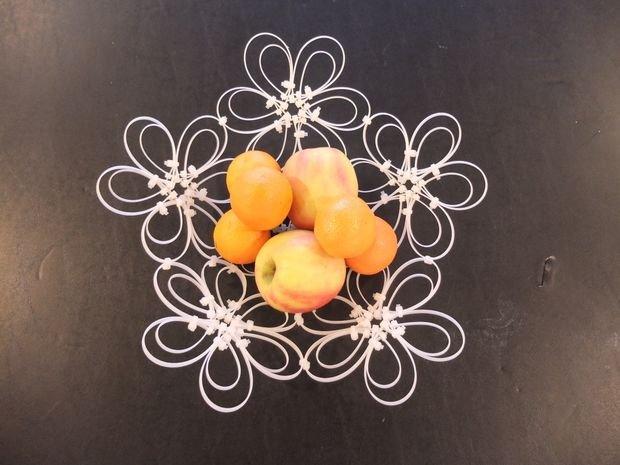 Ваза для фруктов из кабельных стяжек